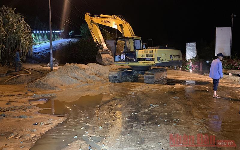 Mưa lớn gây sạt lở một số tuyến đường ở Mũi Né và Hòa Thắng Ảnh 5
