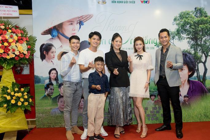 Lê Phương tái xuất màn ảnh sau 2 năm làm 'mẹ bỉm' Ảnh 4