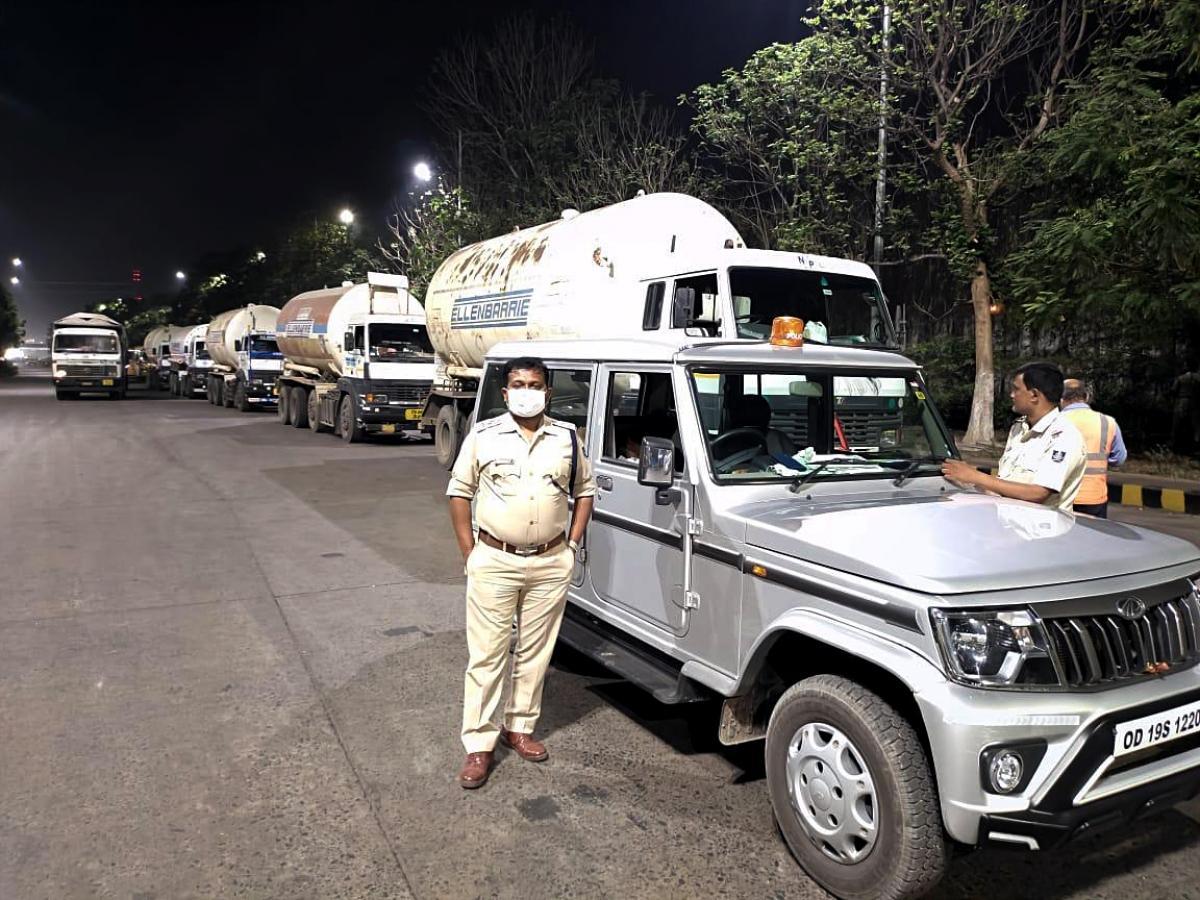 Bộ Nội vụ Ấn Độ yêu cầu các địa phương áp đặt phong tỏa 14 ngày Ảnh 1