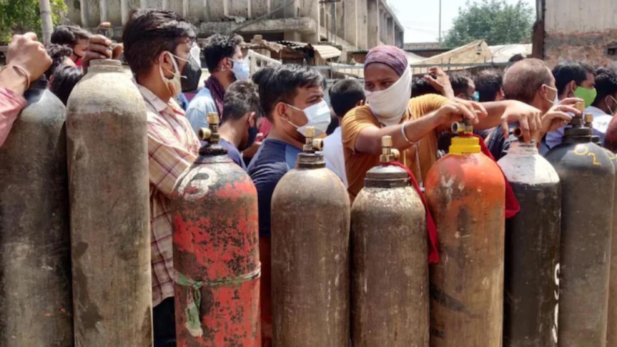 Nổ súng sau tranh cãi tại trung tâm nạp bình oxy ở Ấn Độ Ảnh 1