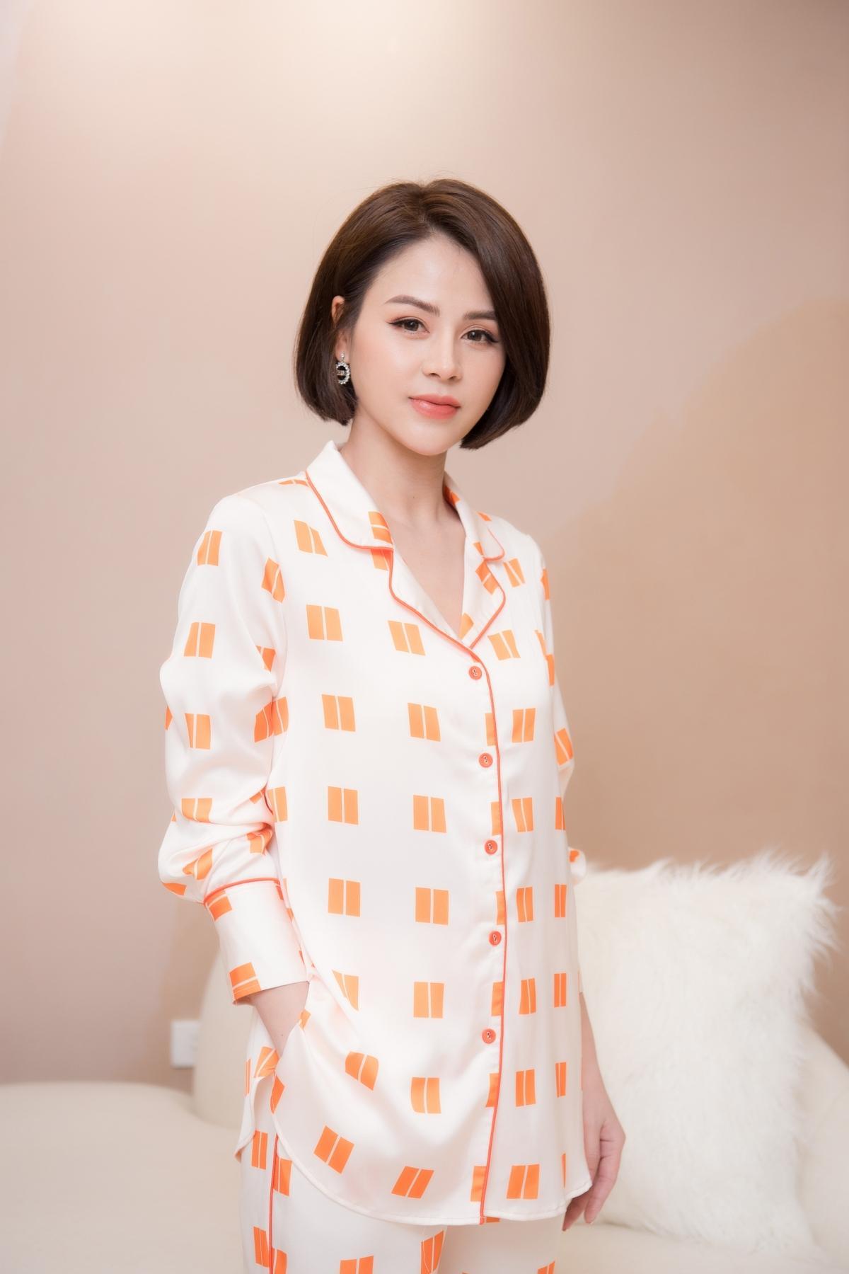 Lương Thu Trang, Dương Thùy Linh nổi bật trong pijama của NTK Thu Yến Ảnh 4