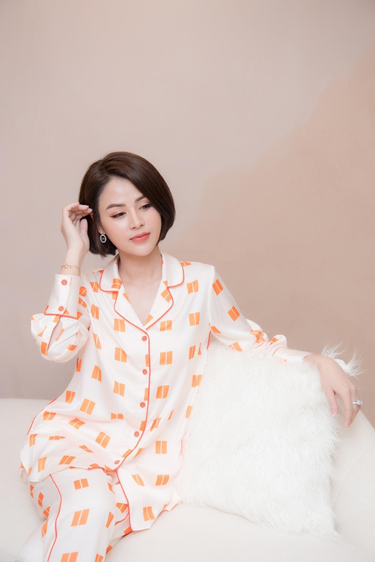 Lương Thu Trang, Dương Thùy Linh nổi bật trong pijama của NTK Thu Yến Ảnh 5