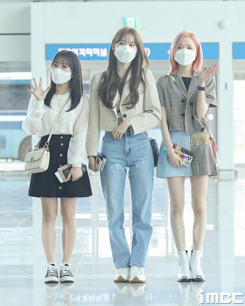 Nhìn style của Sakura trước và sau khi gia nhập IZ*ONE mới thấy stylist xứ Hàn quá giỏi Ảnh 9