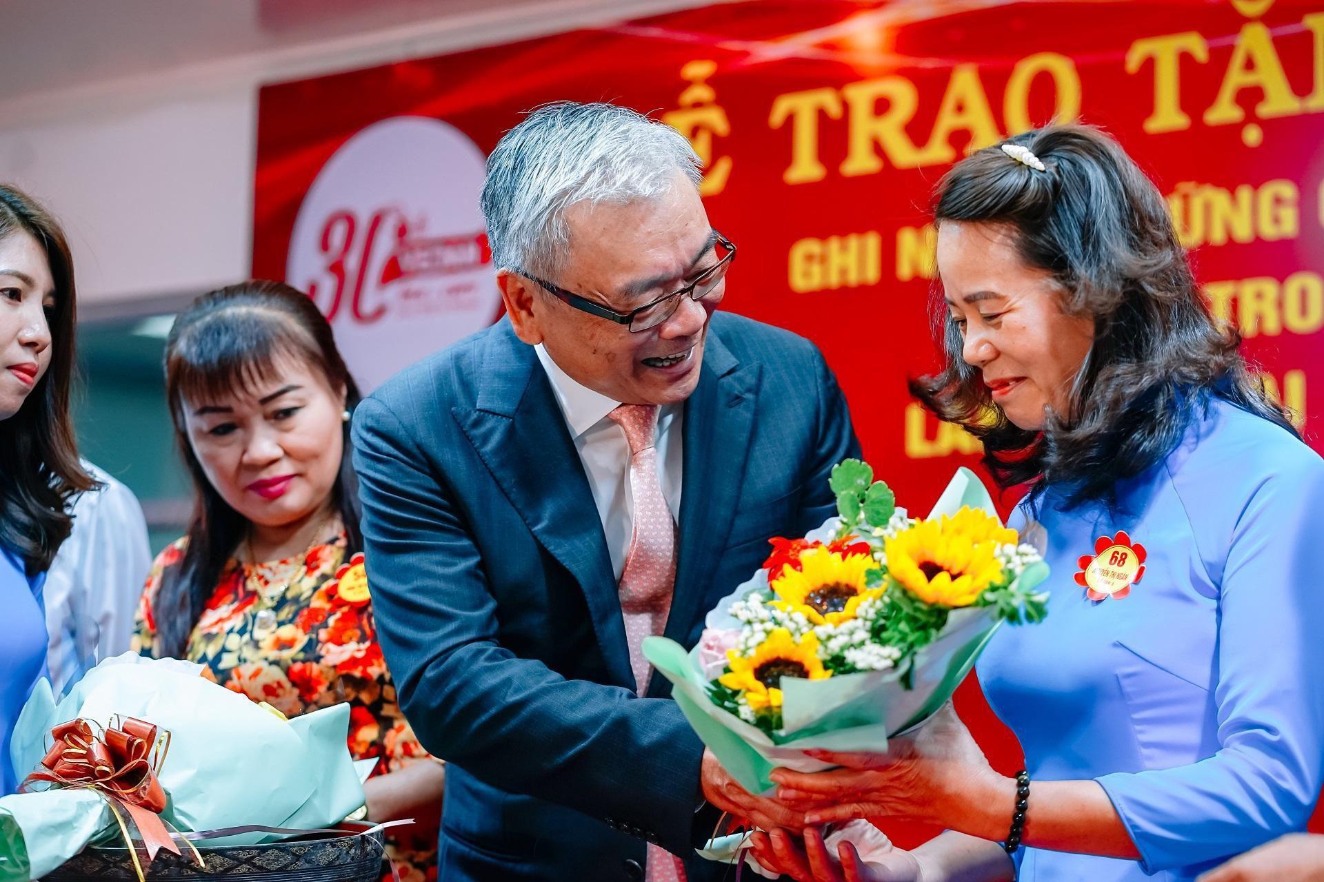 Vedan Việt Nam tri ân 139 nhân viên gắn bó 20-25 năm Ảnh 1