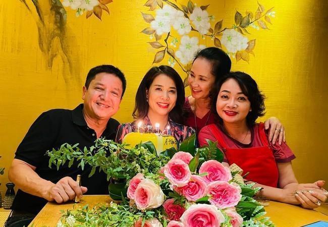 Showbiz 29/4: Con gái Mai Phương xuất hiện cùng Ốc Thanh Vân gây 'sốt' Ảnh 4