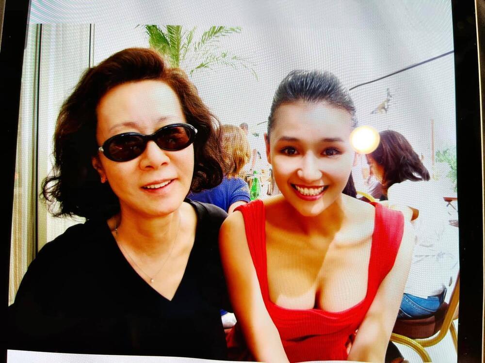 Lã Thanh Huyền khoe khoảnh khắc 10 năm trước chụp cùng nữ diễn viên Hàn Quốc vừa nhận giải Oscar Ảnh 1