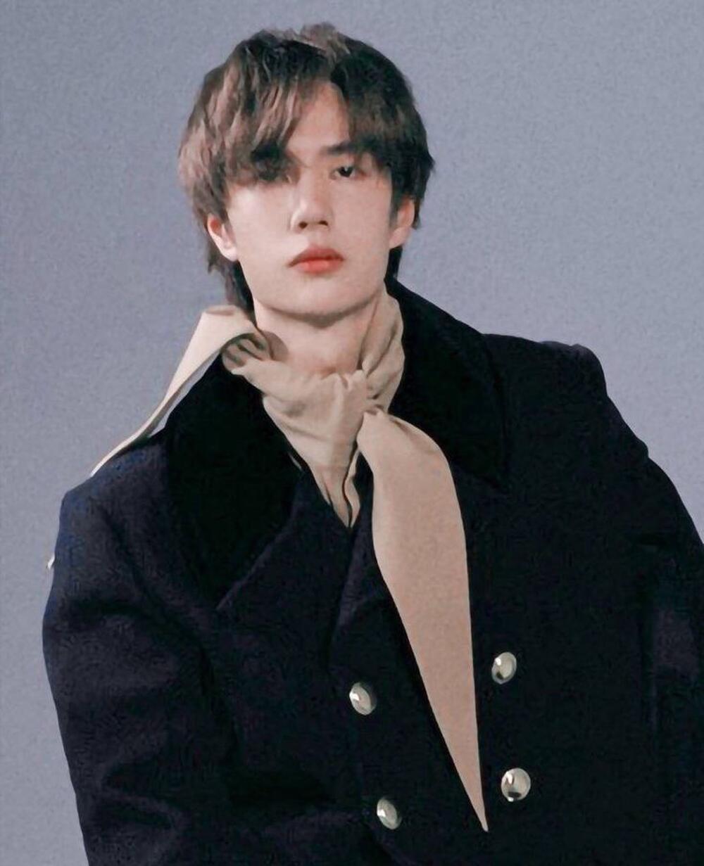Top 10 nam diễn viên hàng đầu Hoa ngữ (P2): Không thể thiếu Tiêu Chiến - Nhất Bác! Ảnh 8