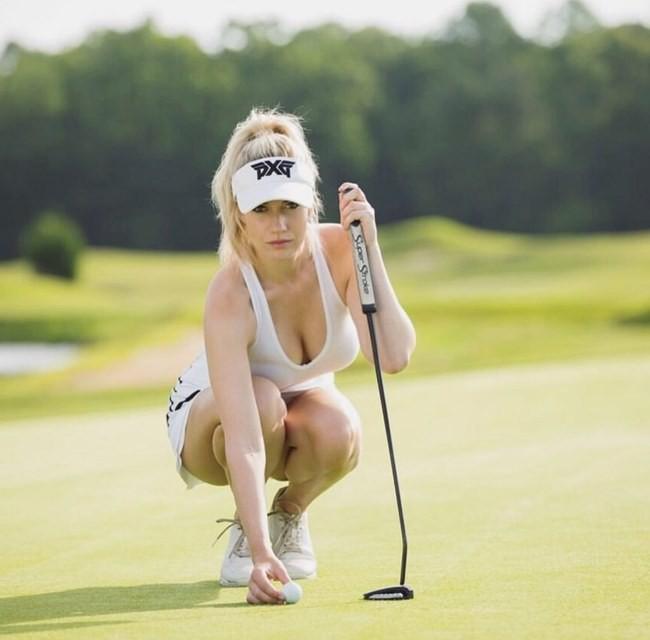 Trang phục thi đấu hot không đối thủ của golfer 9X Ảnh 20