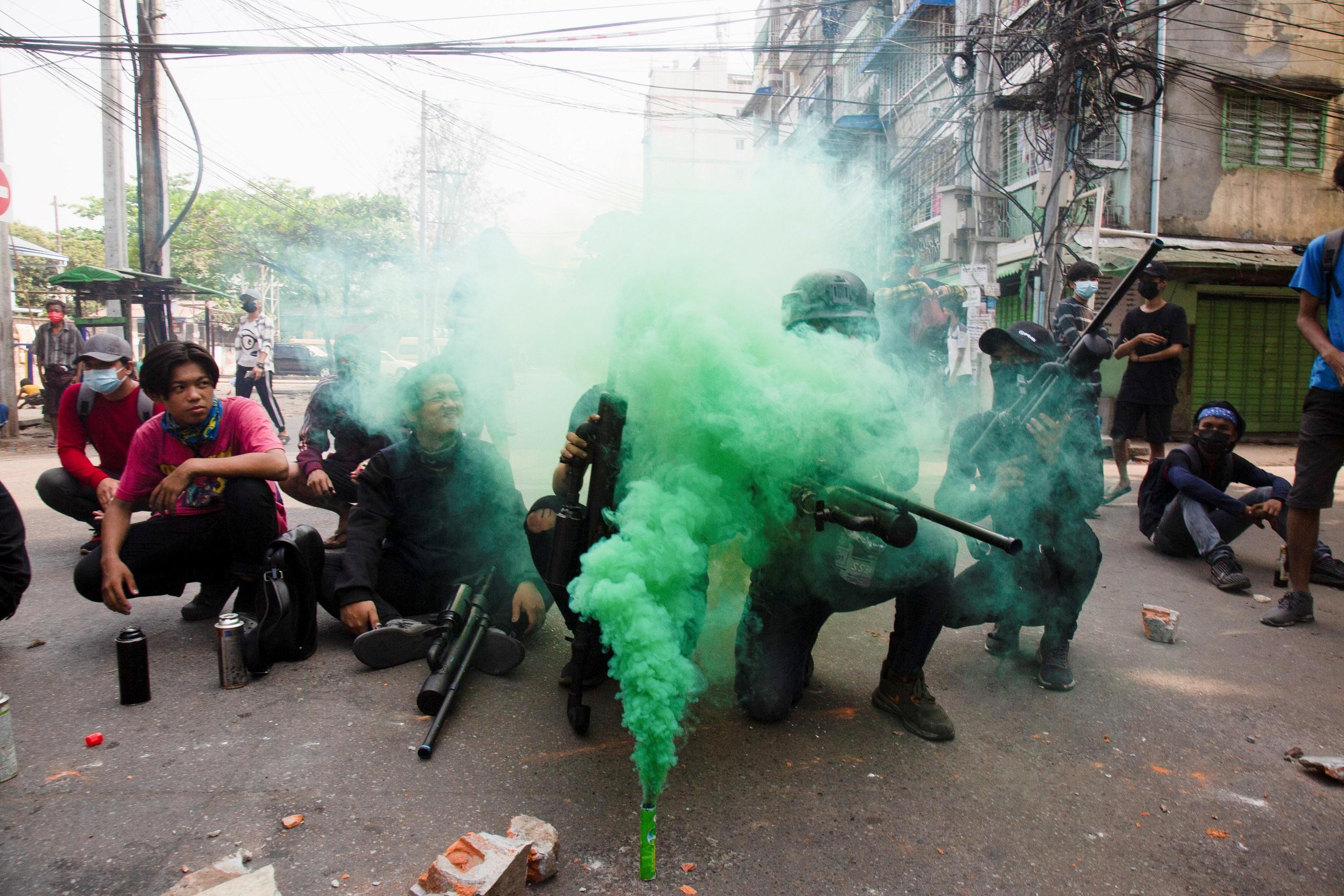 Ba vụ nổ bom liên tiếp tại Myanmar Ảnh 1