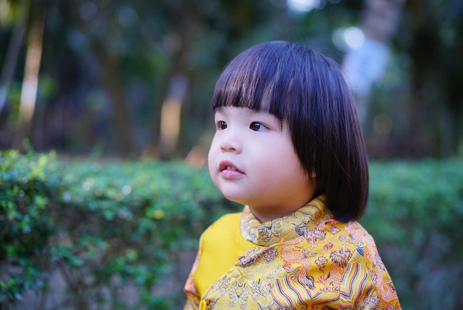 Diễn viên Lê Khánh cho con trai để tóc dài như con gái, lạ nhất là câu trả lời khi có người hỏi giới tính của con Ảnh 6
