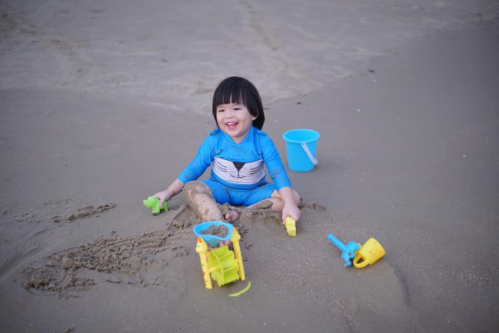 Diễn viên Lê Khánh cho con trai để tóc dài như con gái, lạ nhất là câu trả lời khi có người hỏi giới tính của con Ảnh 10