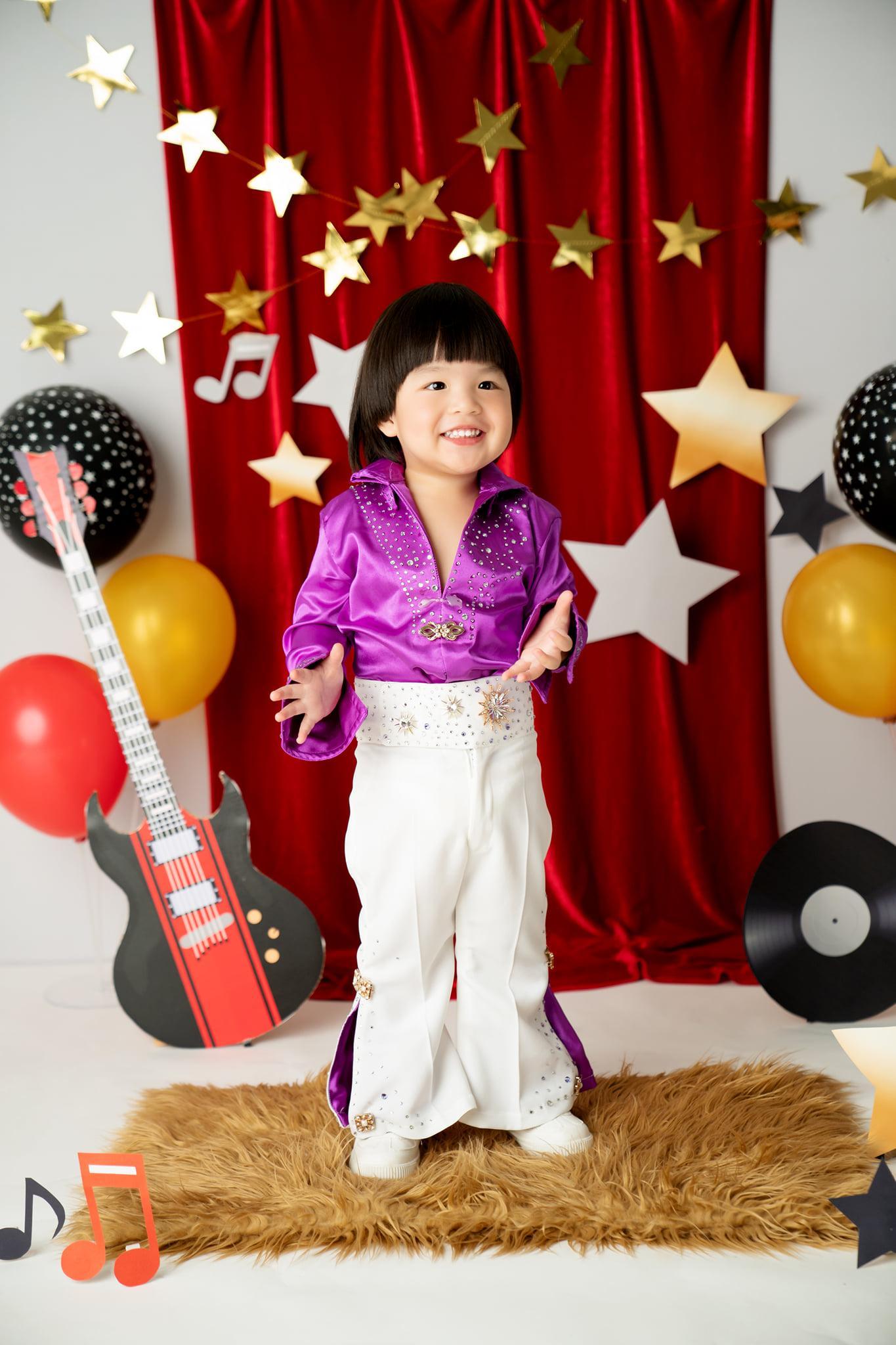Diễn viên Lê Khánh cho con trai để tóc dài như con gái, lạ nhất là câu trả lời khi có người hỏi giới tính của con Ảnh 9