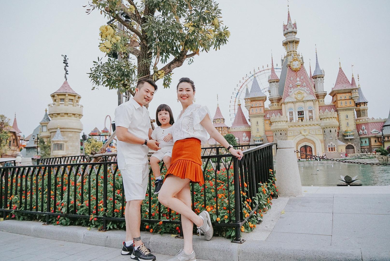 Diễn viên Lê Khánh cho con trai để tóc dài như con gái, lạ nhất là câu trả lời khi có người hỏi giới tính của con Ảnh 1
