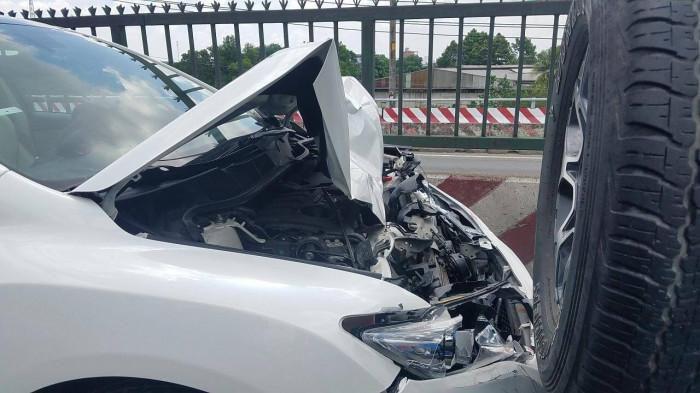TP.HCM: Né thùng xốp, tài xế phanh gấp gây tai nạn liên hoàn Ảnh 2