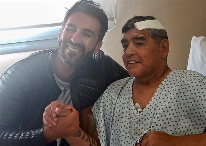 Bác sĩ riêng bị tố bỏ mặc Maradona cho 'số trời' Ảnh 1