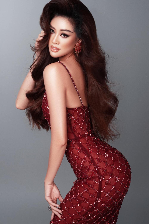 Khánh Vân đeo lại đôi bông tai 'phong thủy' lên đường sang Mỹ: Quyết tâm đăng quang Miss Universe 2020? Ảnh 9