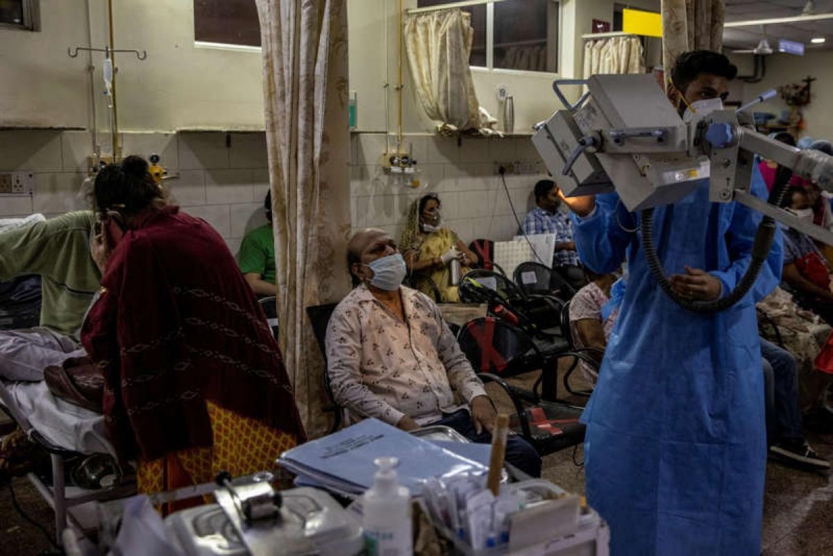 Thảm kịch Covid-19 ở Ấn Độ: Chúng tôi đã gõ cửa 15 bệnh viện trước khi mẹ mình qua đời Ảnh 1