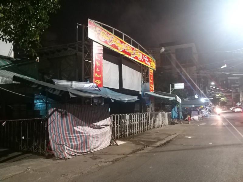 Đà Nẵng đóng cửa chợ Đống Đa vì có ca COVID-19 đến mua sắm Ảnh 1