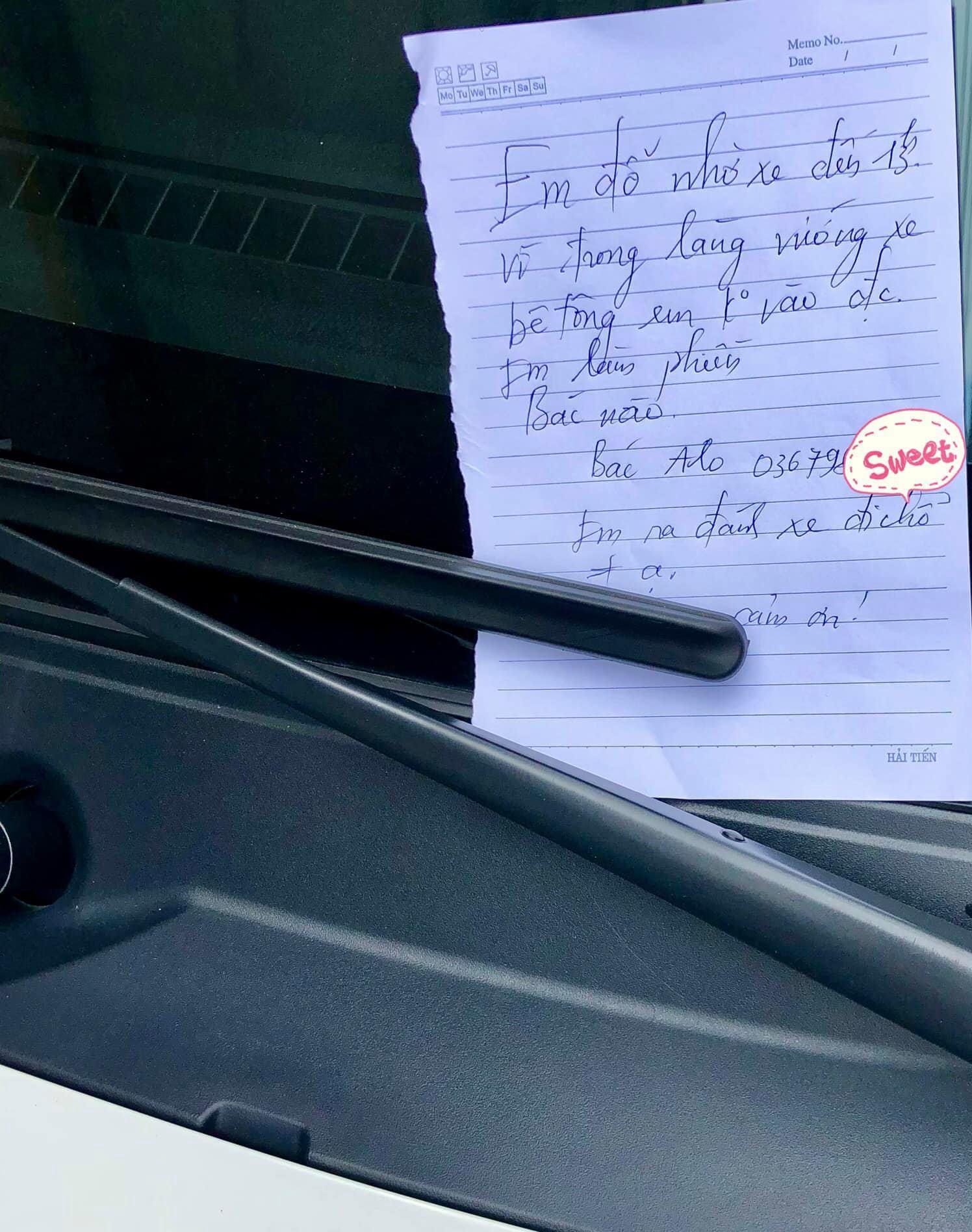 Tờ giấy nhắn của nữ tài xế đỗ xe chắn cửa gây 'bão mạng' Ảnh 1
