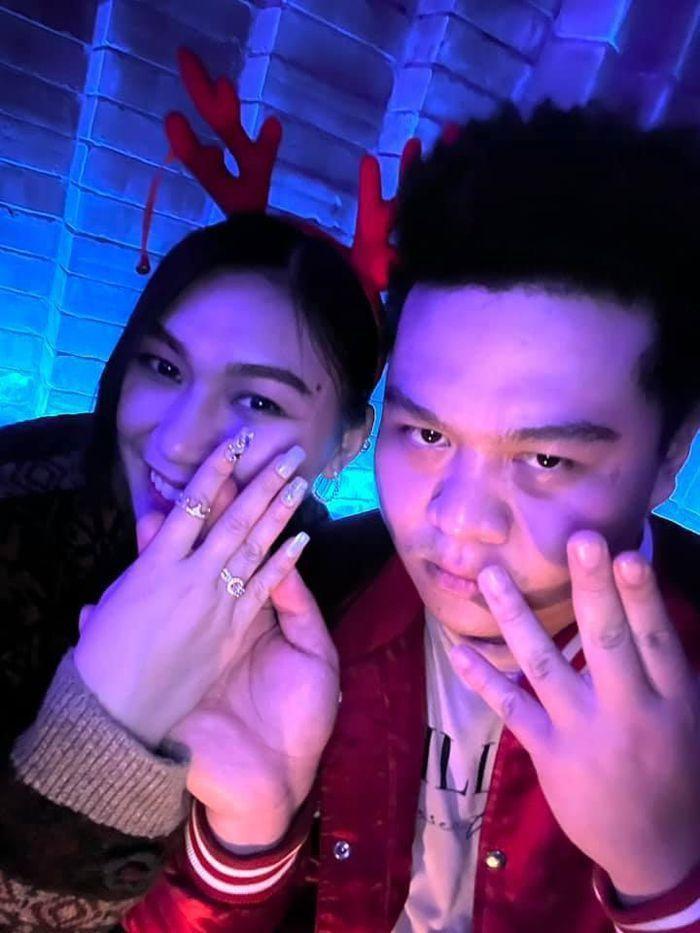Mới nhất về Rap Việt: 16Typh hiền khô với tóc đen, Yuno Big Boi sắp rước vợ về nhà Ảnh 7