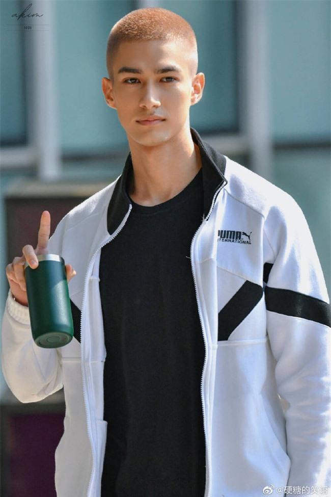 Sáng tạo doanh 2021: Running Man 'tát nước' vào fan INTO1, Mika - Santa - Lưu Vũ không được mời quay show Ảnh 3