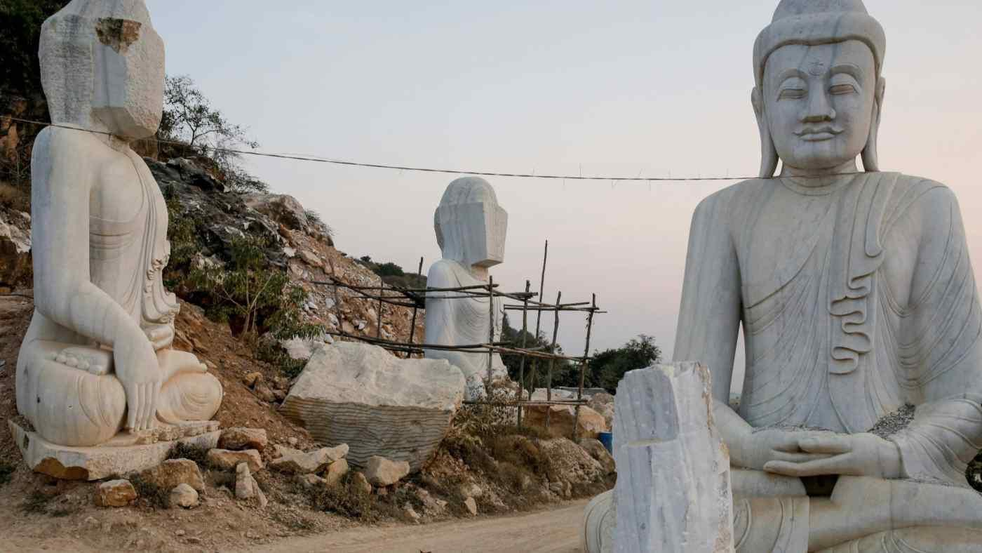 Quân đội Myanmar xây tượng Phật lớn nhất thế giới để lấy lòng dân Ảnh 1