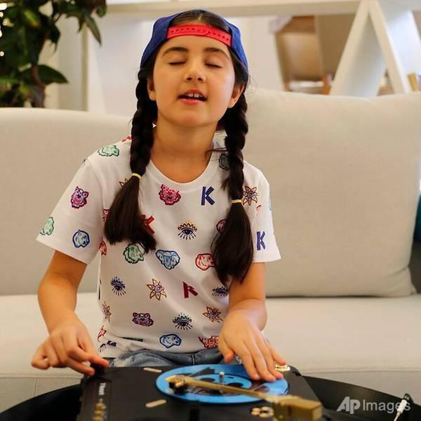 Cô bé 9 tuổi thành DJ trẻ nhất Dubai Ảnh 2