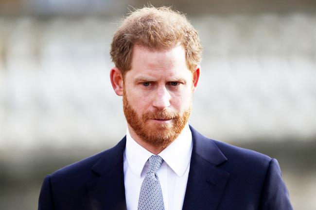 Harry nói về 3 lần cảm thấy bất lực khi ở Hoàng gia Anh và tiết lộ câu nói của Meghan giúp anh 'làm lại cuộc đời' Ảnh 2