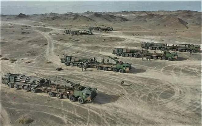 Trung Quốc triển khai hệ thống rocket phóng loạt PHL-03 đến gần biên giới Ấn Độ Ảnh 7