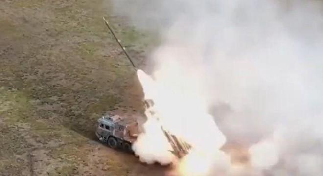 Trung Quốc triển khai hệ thống rocket phóng loạt PHL-03 đến gần biên giới Ấn Độ Ảnh 4