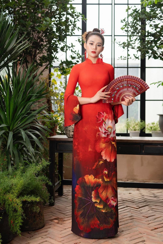Áo dài Hoa sen truyền thống đón đầu xu thế năm 2021 Ảnh 2