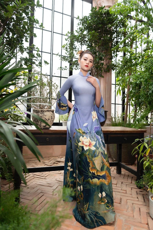 Áo dài Hoa sen truyền thống đón đầu xu thế năm 2021 Ảnh 1
