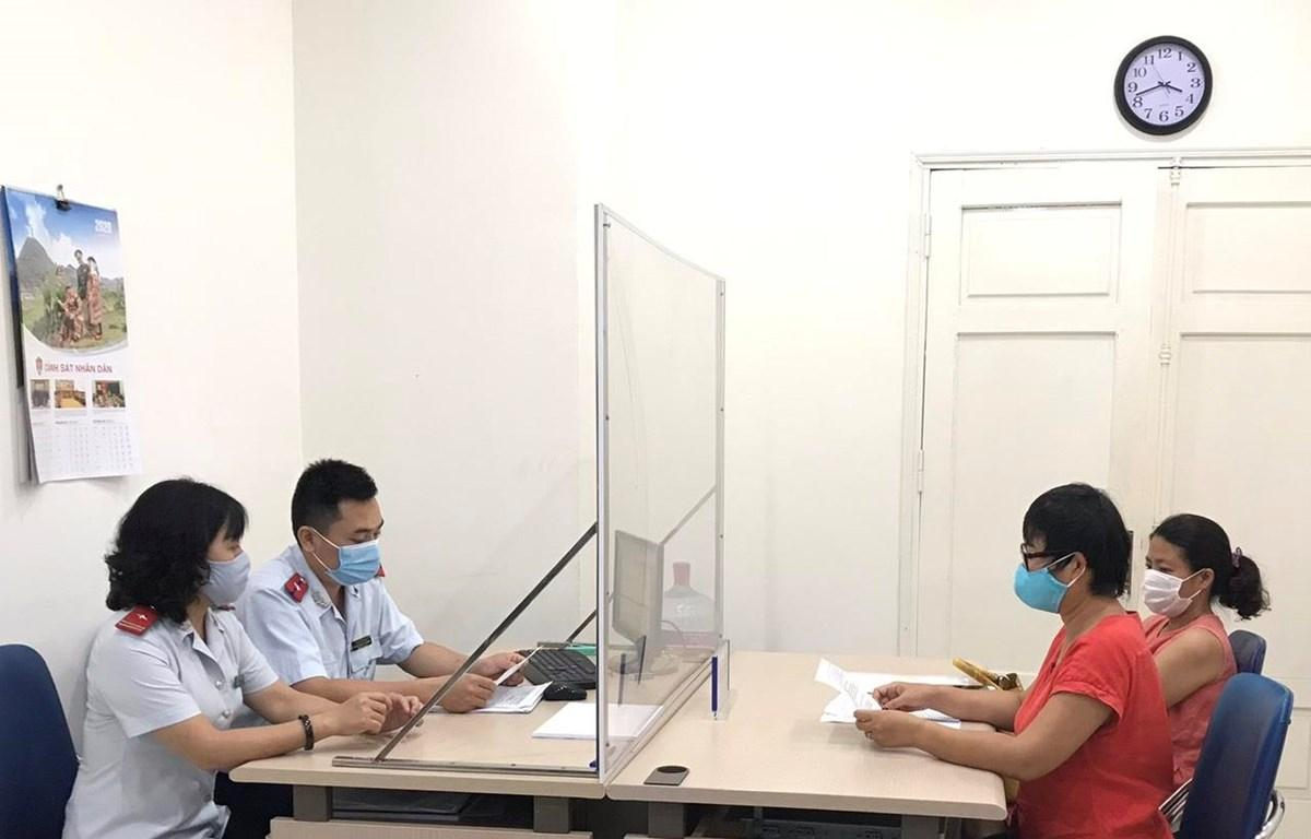 Thông tin giả mạo về phòng dịch COVID-19, 6 người bị phạt nặng Ảnh 1