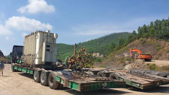Xe 'siêu trọng' Hải Sơn được phép chở 7 tấn hàng, nhưng tải hơn 90 tấn Ảnh 1