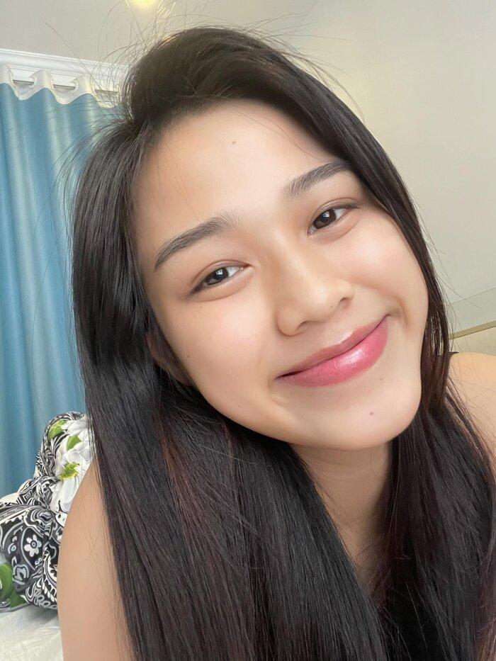 Hoa hậu Đỗ Thị Hà khoe mặt mộc vừa mới ngủ dậy, fan hết lời khen ngợi vì quá xinh đẹp Ảnh 2