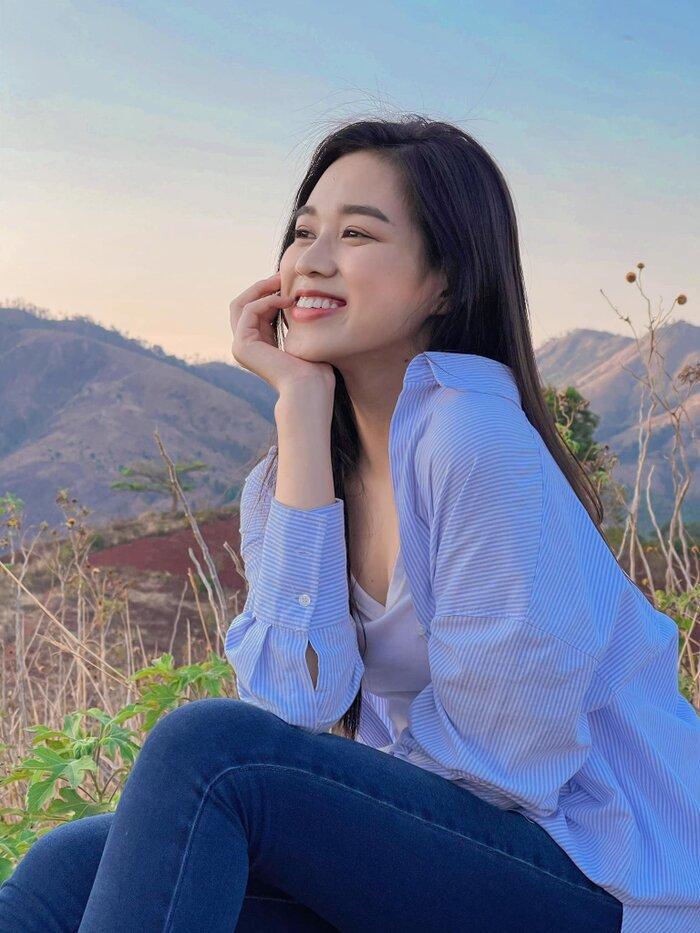 Hoa hậu Đỗ Thị Hà khoe mặt mộc vừa mới ngủ dậy, fan hết lời khen ngợi vì quá xinh đẹp Ảnh 7