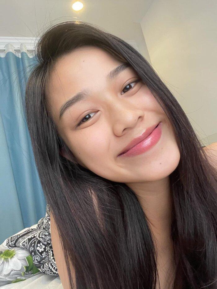 Hoa hậu Đỗ Thị Hà khoe mặt mộc vừa mới ngủ dậy, fan hết lời khen ngợi vì quá xinh đẹp Ảnh 1