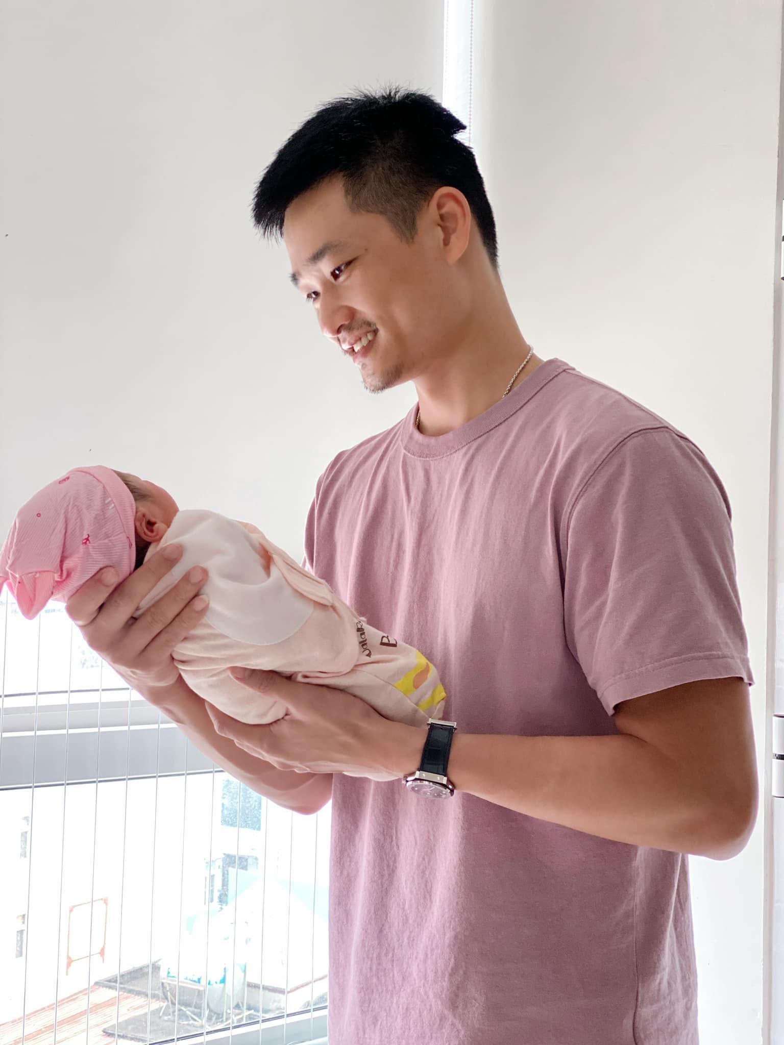 Bảo Thanh lần đầu khoe nhan sắc mẹ bỉm sau 4 ngày sinh nở, hé lộ luôn thông tin đặc biệt của ái nữ Ảnh 4