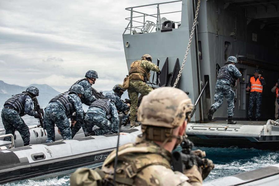 Bài tập chiến thuật của đặc nhiệm Mỹ tại khu vực chiến lược gần Nga Ảnh 11