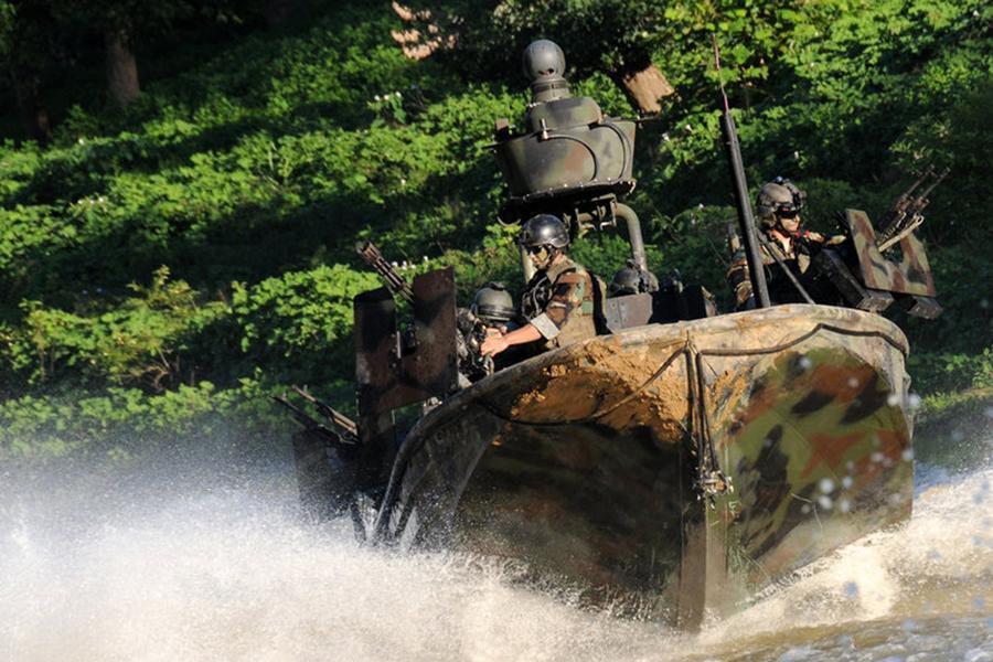 Bài tập chiến thuật của đặc nhiệm Mỹ tại khu vực chiến lược gần Nga Ảnh 9