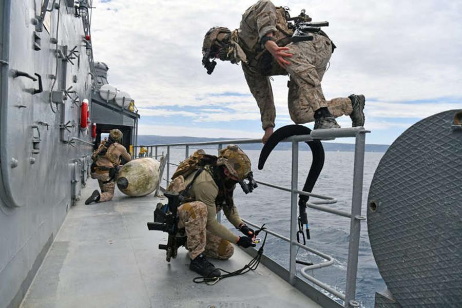 Bài tập chiến thuật của đặc nhiệm Mỹ tại khu vực chiến lược gần Nga Ảnh 4