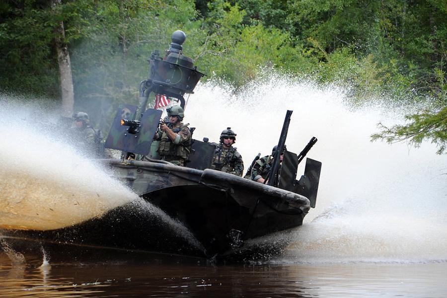 Bài tập chiến thuật của đặc nhiệm Mỹ tại khu vực chiến lược gần Nga Ảnh 10