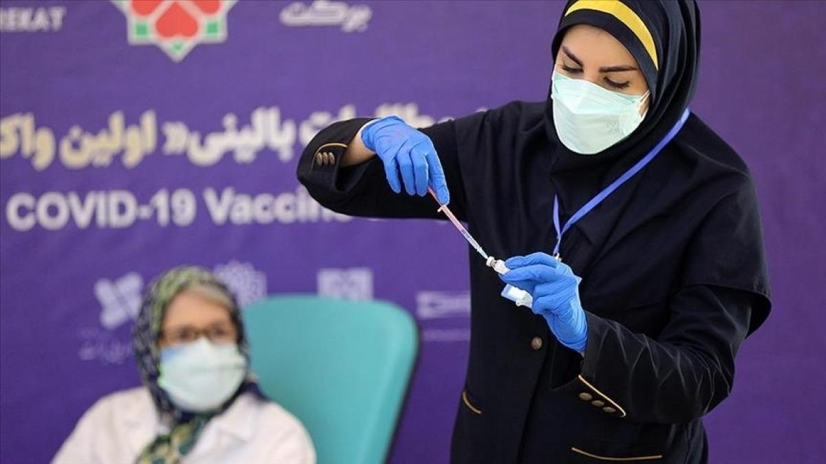 Iran khai trương Trung tâm tiêm chủng Covid-19 lớn 'chưa từng có' Ảnh 1