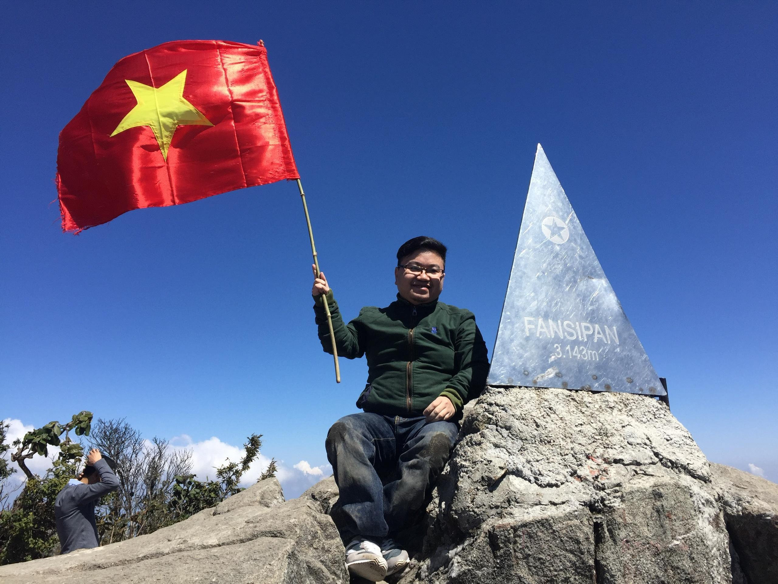 Chàng trai xương dễ vỡ mơ 'quẩy' nhạc khắp Việt Nam Ảnh 1