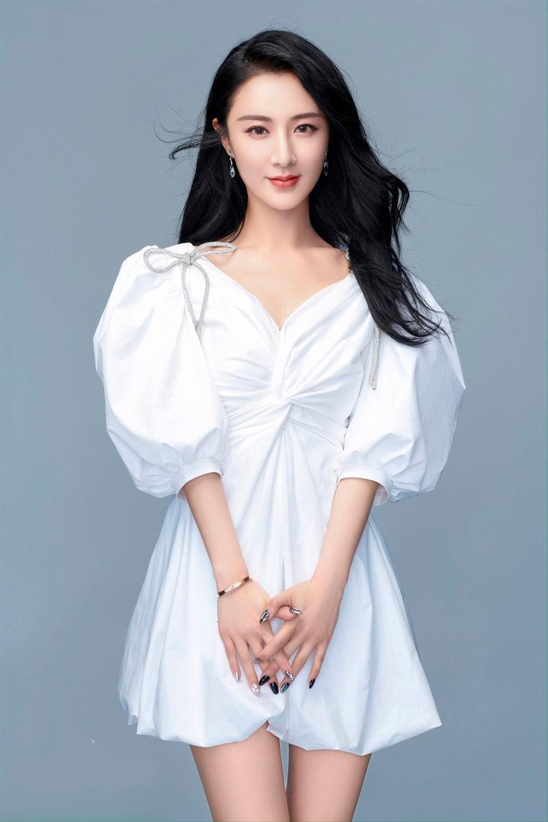 Nữ ca sĩ trở thành tỷ phú Trung Quốc Ảnh 1
