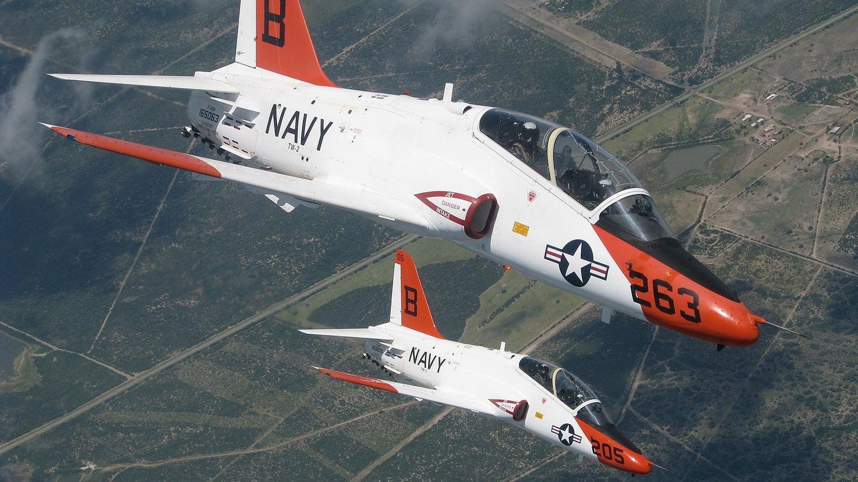 Hai máy bay quân sự Mỹ đâm nhau trên không Ảnh 1