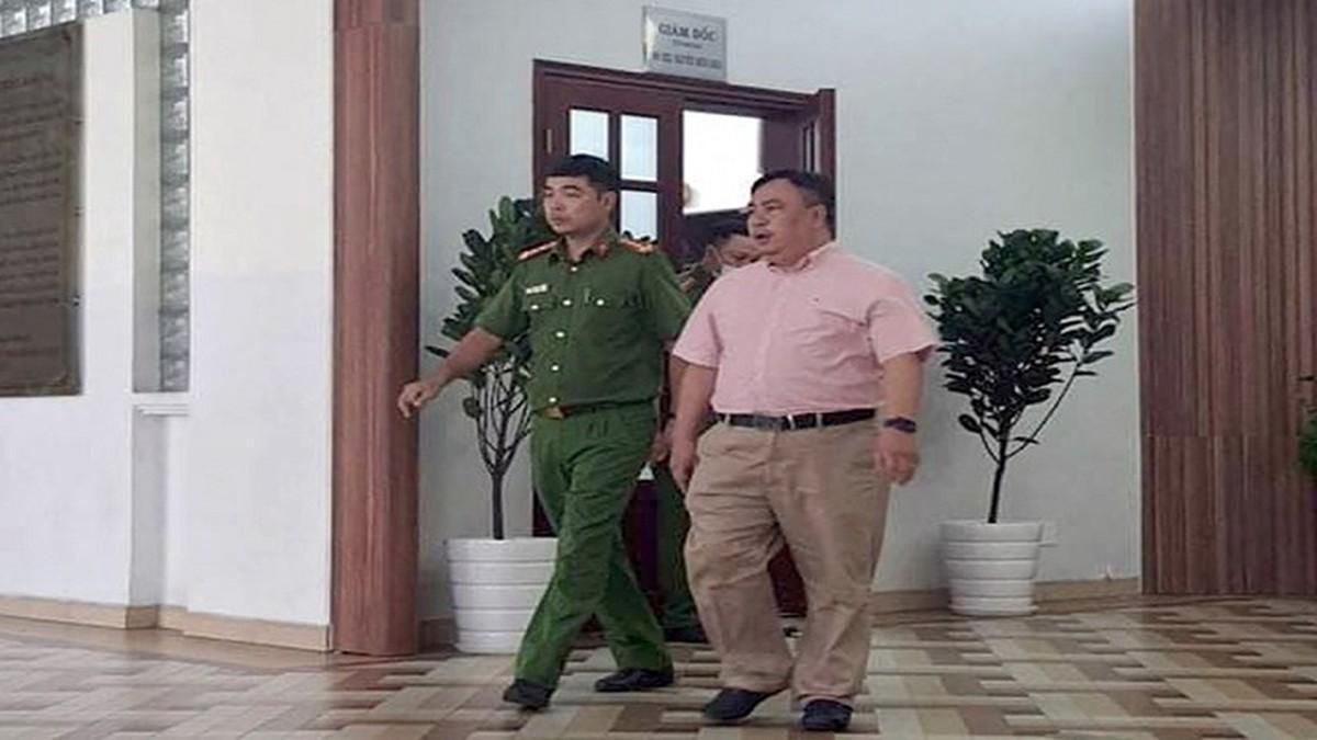 Cựu lãnh đạo BV Mắt TPHCM 'làm xiếc đấu thầu', gây thiệt hại 14 tỷ đồng Ảnh 1