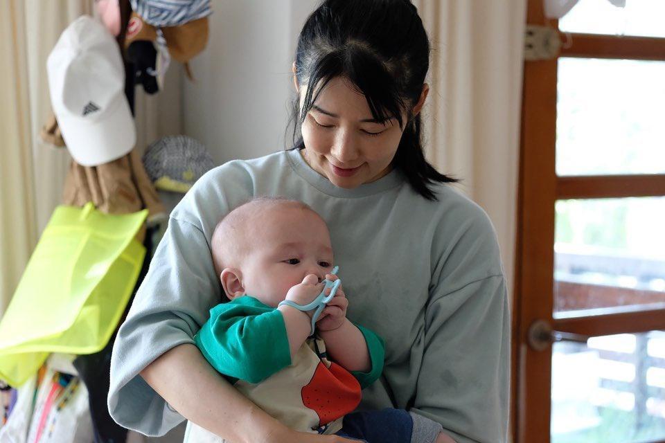 Hàn Quốc dần cởi mở hơn với mẹ đơn thân Ảnh 1