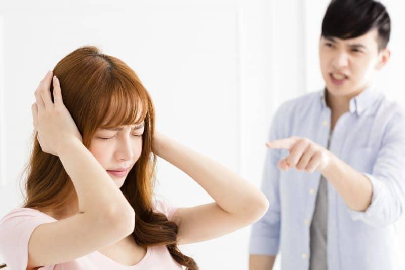 Phát hoảng vì vợ nghe lời bạn nghiện... 'dao kéo' Ảnh 1