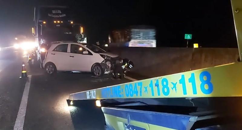 Va chạm liên hoàn trên đường cao tốc TP.HCM - Trung Lương, nhiều người thoát chết Ảnh 2